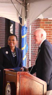 Congressman Patrick Meehan (R-PA) honors President Dr. L. Joy Gates Black. Photo by Linda Pang